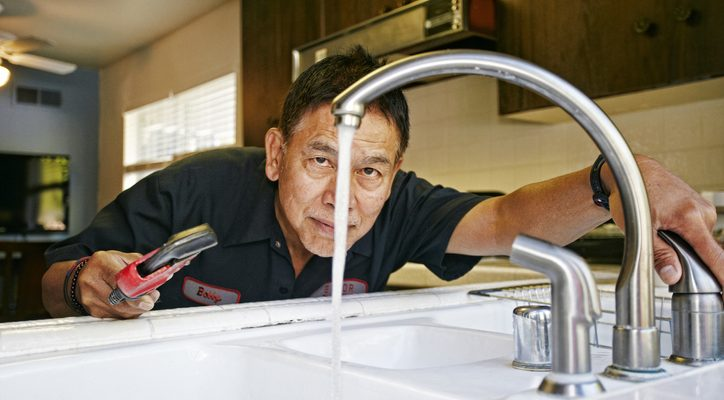 5 things to know before hiring a plumber